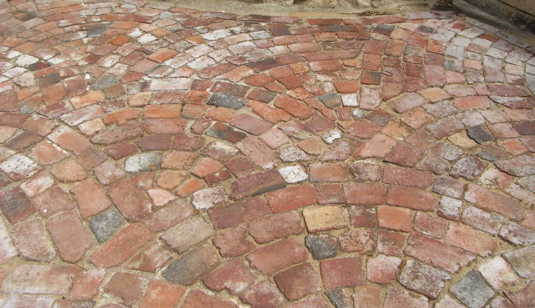 Paving recycled bricks pty ltd acn 130 437 571 - Reclaimed brick design ideas ...